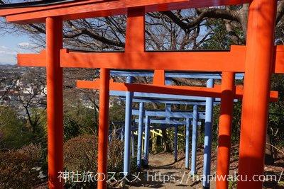織姫神社の階段と鳥居