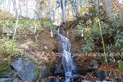 戸隠神社の龍神の滝