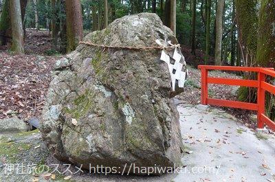 日吉大社の猿石