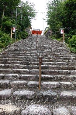 伊佐爾波神社の階段